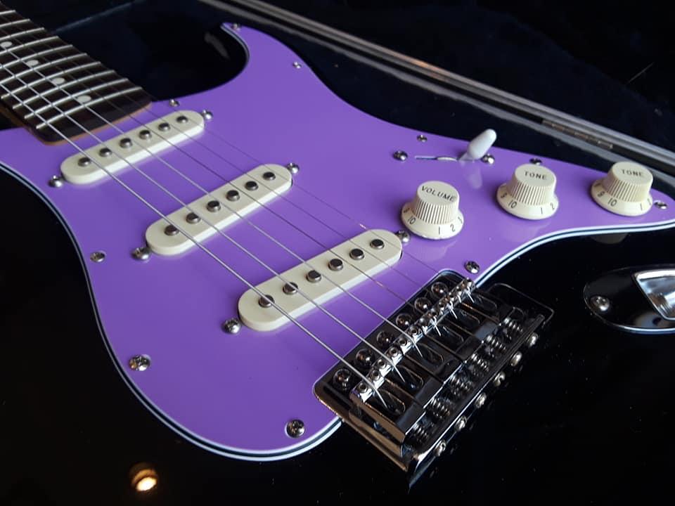 Emma Model  U2013 1995 Black Fender Stratocaster  U2013 Stratocaster